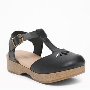 NIB Old Navy Black Cut Out Clogs